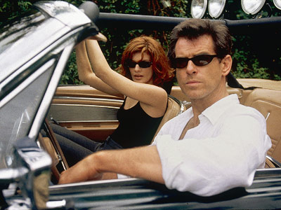 The Thomas Crown Affair (Movie - 1999), Pierce Brosnan, ... | Pierce Brosnan is double-O- my! charming, but it's the underrated Rene Russo who gives director John McTiernan's ode to coolness its heat. She matches Brosnan's…