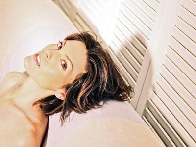 Alana De La Garza | ALANA DE LA GARZA Connie Rubirosa, Law & Order Sure, her whip-smart A.D.A. Rubirosa puts perps away with the frequency of Ryan Seacrest updating his…