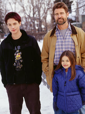 Everwood, Gregory Smith, ... | Everwood wasn't a big show. It was a little show about a small family of a father, son, and daughter who uproot their NYC life…