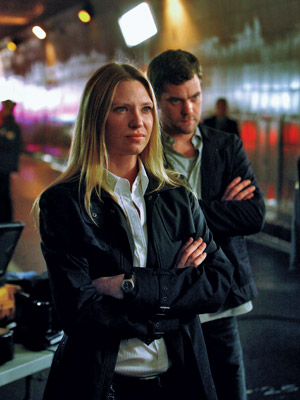 Anna Torv, Joshua Jackson, ... | Fringe (2008-present) Starring Anna Torv, Joshua Jackson, and John Noble, this Fox drama chronicles the stories of an FBI division that investigates a burst of…