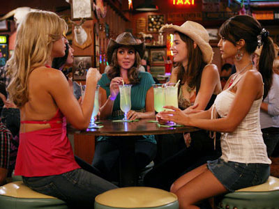 How I Met Your Mother | (Season 4, 2008) Not sure which was funnier: The pack of ''Woo Girls'' (led by Jamie-Lynn Sigler) Robin and Lily start bar-hopping with — you…