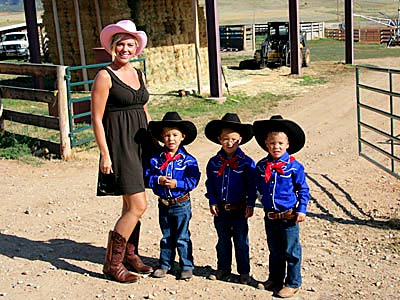 Jon & Kate Plus Eight | It's ranch life for Kate and the boys, and she even gets to take aim at a new target...kind of From the very beginning, the…