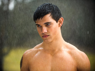 The Twilight Saga: New Moon | In an EW.com PopWatch poll, 74 percent of readers said they might see a Taylor Lautner movie even if they knew his shirt would stay…