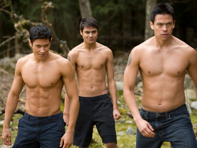 The Twilight Saga: New Moon | The actors in Jacob's pack (including Alex Meraz, Kiowa Gordon, and Chaske Spencer here) reportedly worked out everyday for 90 minutes during filming. A wolf's…