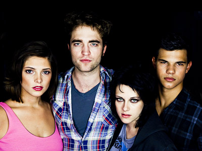 Ashley Greene, Taylor Lautner, ... | ASHLEY GREENE, ROBERT PATTINSON, KRISTEN STEWART, AND TAYLOR LAUTNER, New Moon