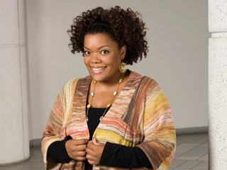 Yvette-Nicole-Brown_l