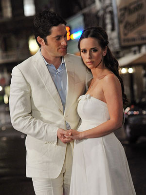 Jennifer Love Hewitt, Ghost Whisperer | GHOST WHISPERER . Jim dies, comes back, it's not Jim, yes it is but he doesn't know it, now he knows, Melinda is pregnant, whose…
