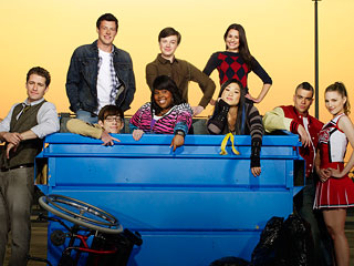 Glee-cast-dumpster_dl