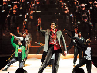 Michael Jackson's This Is It, Michael Jackson | DANCING MACHINE The King works his magic in Michael Jackson's This Is It