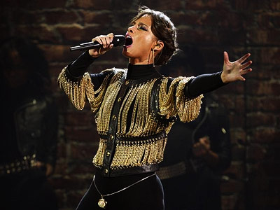 Alicia Keys | ALICIA KEYS It's rare to see Keys onstage without her, you know, keys, but this largely piano-free take on new single ''Try Sleeping With a…