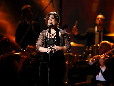 Kelly Clarkson | KELLY CLARKSON Strings make it extra-classy! Clarkson's torchy, slow-burn ballad gets the orchestral treatment. Though the usually unimpeachable season 1 Idol champ sounds uncharacteristically shaky…
