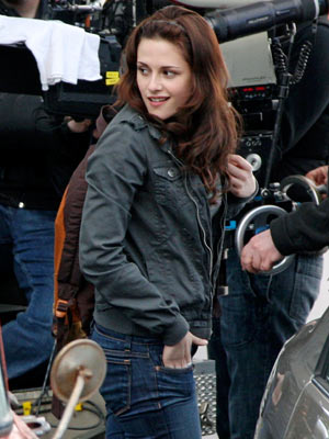 Kristen Stewart, The Twilight Saga: New Moon | Stewart , 19, also celebrated a birthday with her New Moon cast mates.