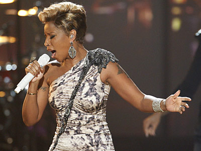 Mary J. Blige | MARY J. BLIGE ? It may not be the most thrilling performance of the night — no pyro, no hot pants, no Lycra booby-bands —…
