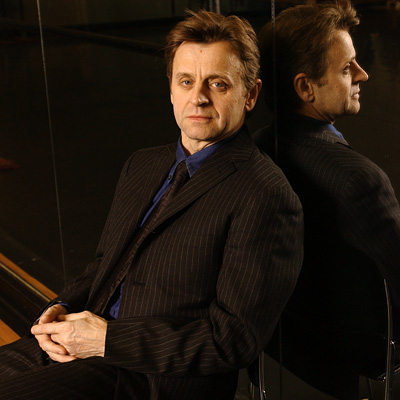 Mikhail Baryshnikov | HAILS FROM: Latvia SEXIEST ON: Sex and the City (2003-2004) He may not have been right for our Carrie Bradshaw as dashing artist Aleksandr Petrovsky,…