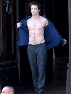 Anticipation for The Twilight Saga: New Moon escalated exponentially after this shot of Robert Pattinson filming shirtless in Montepulciano, Italy, on May 27, 2009, surfaced.…