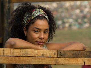 Sophie Okonedo, Skin | APARTHEID DAYS Sophie Okonedo is caught in the middle of a racially tense society in Skin