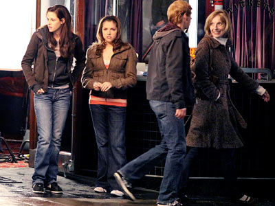 Anna Kendrick, Kristen Stewart, ... | Stewart and Kendrick shoot a scene at a movie theater.