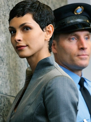 V, Morena Baccarin | V recap: The Beginning of the End The winter finale leaves a few cliffhangers, the biggest of which for Jeff Jensen is whether or not…