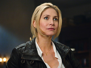 V, Elizabeth Mitchell | Elizabeth Mitchell's Agent Evans may have perfected te quizzical look but she flubbed her chance to question an actual V