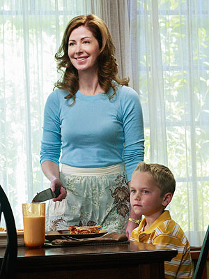 Desperate Housewives, Dana Delany | Desperate Housewives recap: What Becomes of the Brokenhearted Katherine takes her obsession with Mike too far and two Wisteria Lane residents lose all hope when…