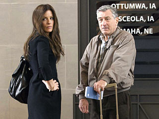 Everybody's Fine | BAGGAGE CLAIM Kate Beckinsale and Robert De Niro keep it all in the family in Everybody's Fine