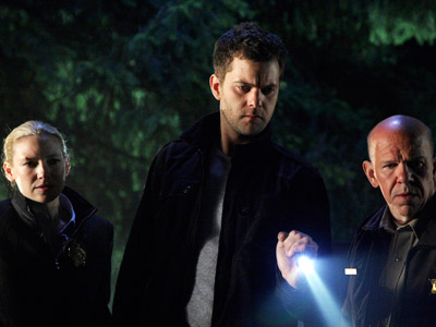 Fringe | In its second season, Fringe expanded the parallel universe and maintained its supernatural scare quotient while sustaining the quality. That is, it made the core…