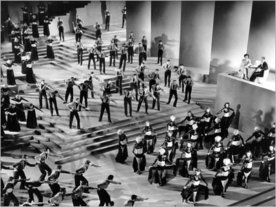Gold Diggers of 1935 | 18. The Busby Berkeley Disc (2006 compilation) The trouble with all those old '30s movies with Berkeley production numbers is you have to sit through…