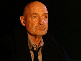 Lost | SI OR NO? Rumors are floating around that ABC is planning to run the terrific ''Lost'' promo by Spain's Cuatro network -- with Terry O'Quinn…