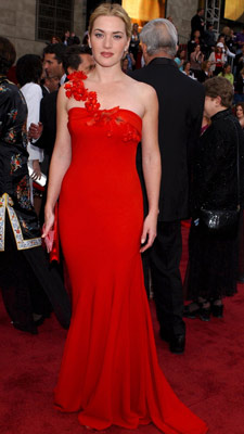 Kate Winslet | Kate Winslet at the Oscars (2002) Proving the power of red, Winslet wowed in a simply elegant Ben de Lisi gown.