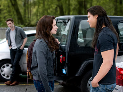 Taylor Lautner, Kristen Stewart, ... | The Twilight series' famous love triangle, perfectly staged and captured by New Moon cinematographer Javier Aguirresarobe. Anyone else get the feeling this won't end well?