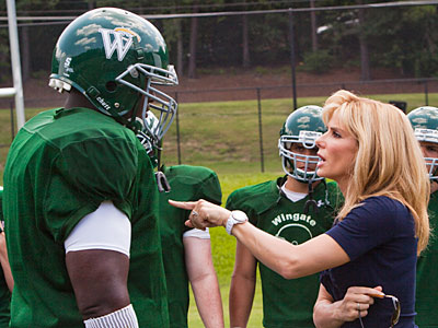 The Blind Side | THE BLIND SIDE (2009) Race relations, homelessness, self-discovery — football is hardly the central storyline in Sandra Bullock?s tearjerker about a troubled youth who blossoms…