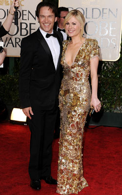 Golden Globe Awards 2010   ANNA PAQUIN and Stephen Moyer What do you think of this look? ( polls )