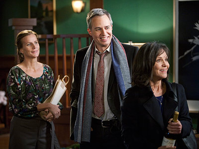 Sally Field, Rachel Griffiths, ... | Brothers & Sisters recap: Bond, Nora Bond During the final minutes of last night's Brothers & Sisters , my jaw dropped as low as Kevin's…