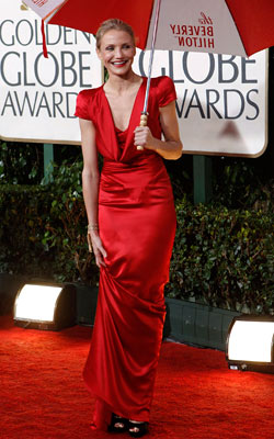 Golden Globe Awards 2010 | CAMERON DIAZ The satin red gown oozes luxury but by pairing it with garish red lipstick and black shoes, Diaz fell way down in our…