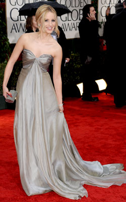 Golden Globe Awards 2010 | DIANNA AGRON The shape may have overwhelmed the Glee star's petite frame, but there?s no denying that the breezy silver gown and chic updo were…