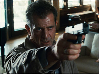 Mel Gibson, Edge of Darkness | POINT AND SHOOT Mel Gibson fires away in Edge of Darkness