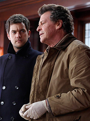 Fringe | Fringe recap: Walter, who's your daddy? This week's Fringe was one of the series' most satisfying stand-alone episodes. It had a good threat — an…