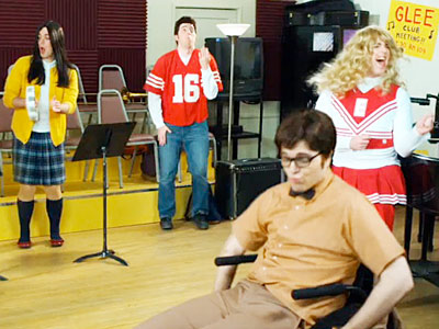 Glee | MULTIPLE PERSONALITIES: TAKE TWO Part of an Internet parody series known as ''Electric Spoofaloo,'' this one features a single actor playing every role in the…