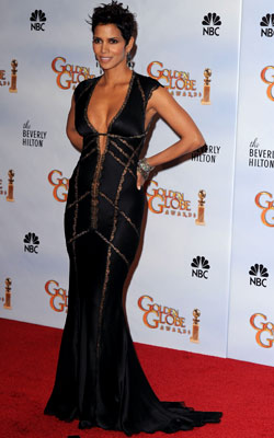 Golden Globe Awards 2010 | HALLE BERRY Sure, sexy and skin-baring is Berry's style mantra, but the cut of this Kaufman Franco gown didn't exactly leave much to the imagination.…