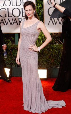 Golden Globe Awards 2010   JENNIFER GARNER What do you think of this look? ( polls )