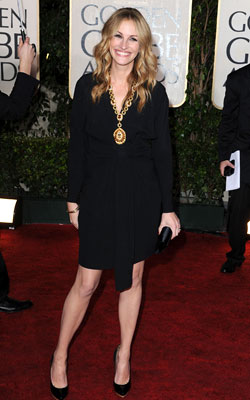 Golden Globe Awards 2010   JULIA ROBERTS What do you think of this look? ( polls )