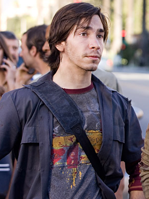 Sigourney Weaver   Justin Long is a shoo-in for this part. Like Parker, he isn't a heartthrob, but he isn't a dopey looking guy either. — Finc
