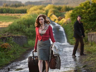 Leap Year | COUNTRY ROAD WARRIOR Amy Adams can try to walk away, but she can't escape her feelings for Matthew Goode in Leap Year