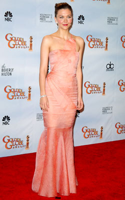 Golden Globe Awards 2010 | MAGGIE GYLLENHAAL The Crazy Heart star took a major fashion risk with the geometric bodice of this Roland Mouret gown — and it paid off…