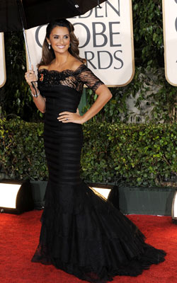 PENÉLOPE CRUZ While this would have been a lovely dress for, say, Helen Mirren, the matronly sleeves of this black number didn?t do the Nine…
