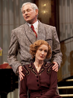 Victor Garber and Lisa Banes in Present Laughter