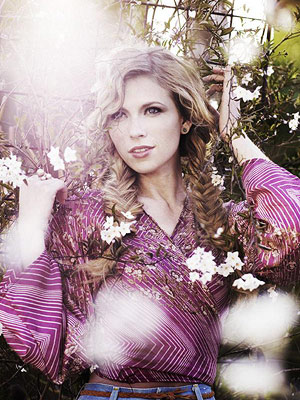 American Idol, Brooke White | High Hopes and Heartbreak , Brooke's 2009 debut set, is filled with gorgeous, stripped-down melodies that sound like they'd have dominated AM radio back in…