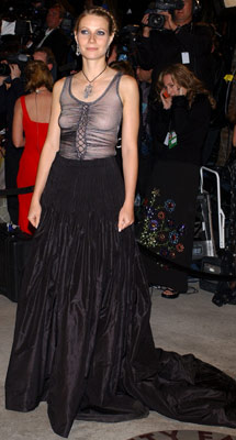 Gwyneth Paltrow   Gwyneth Paltrow at the Oscars, March 2002 While not all critics loved this look, Paltrow made a splash at the Academy Awards in an edgy…