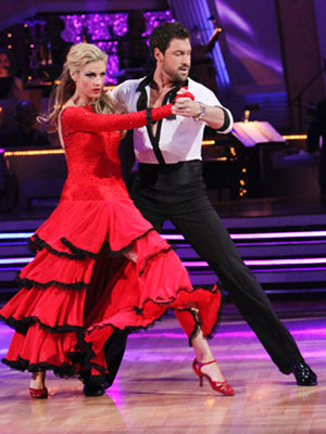 Dancing with the Stars | ERIN ANDREWS AND MAKSIM CHMERKOVSKIY: WORST Week 4: Tango (18 technical/21 performance) Too bad they went first — Erin and Maks' tango was pretty good…