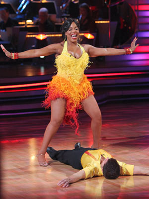 Dancing with the Stars | NIECY NASH AND LOUIS VAN AMSTEL: JIVE Niecy's colorful, fringed frock helped her achieve maximum drama during four significant shimmy sessions in an homage to…